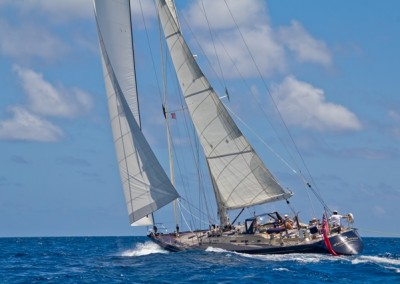 Luxury Yacht Charter aboard Pacific Wave 4