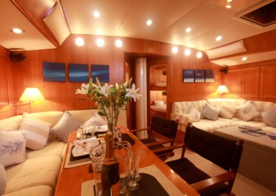 Luxury Yacht Charter aboard Pacific Wave 6
