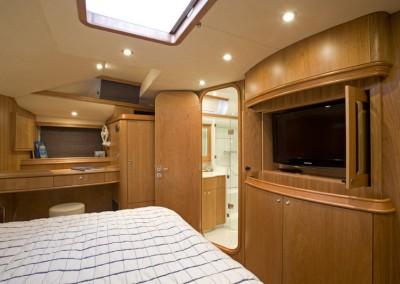 Luxury Yacht Charters aboard Tilly Mint 10