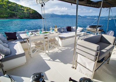 Flybridge with dining and lounging area