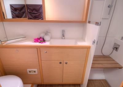 Port stern bathroom