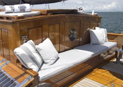 eros-deckhouse-bench