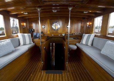 eros-deckhouse-interior