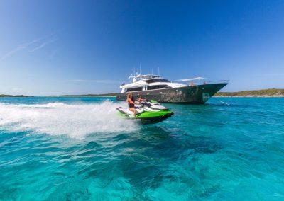 Motor-yacht-unbridled 30