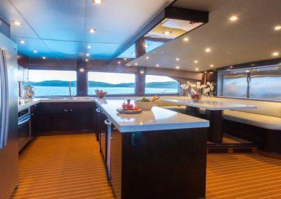 Motor-yacht-unbridled 35