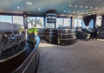Motor-yacht-unbridled 9
